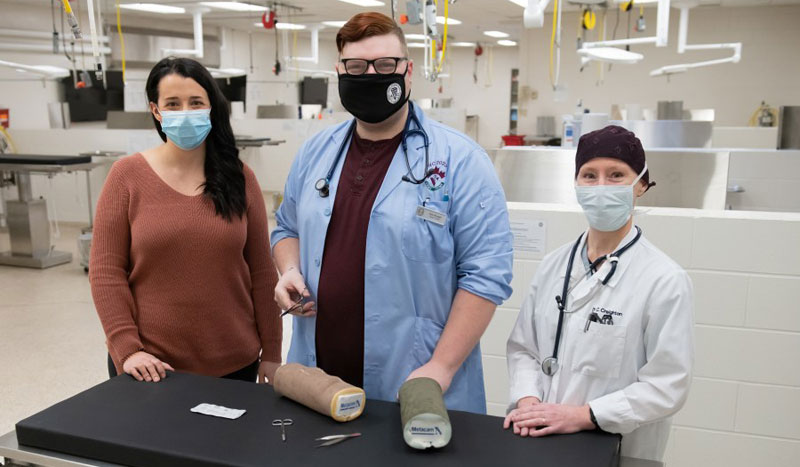 Boehringer Ingelheim has gifted DASIE (dog abdominal surrogate for instructional exercise) surgical models in support of the hands-on technical training of second-year students at University of Prince Edward Island (UPEI) Atlantic Veterinary College (AVC).